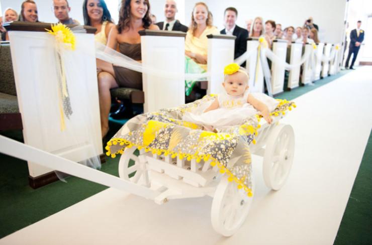 Medium Flower Girl Pumpkin Wagon – Mini Wedding Wagons