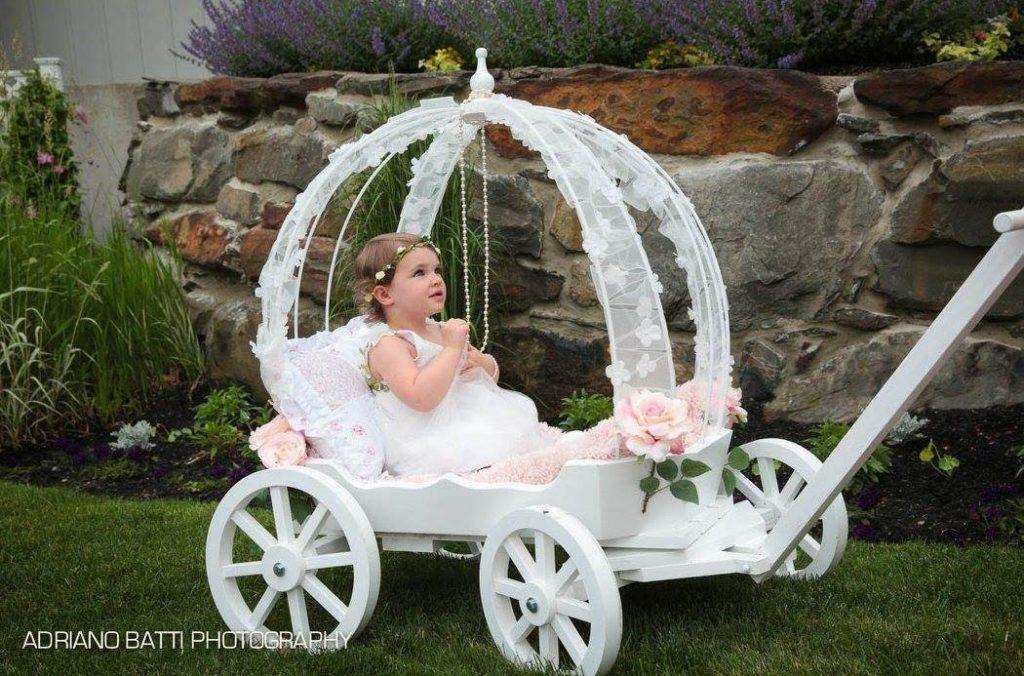 Mini Wedding Wagons Elegant Wedding Entrances For Children Adults