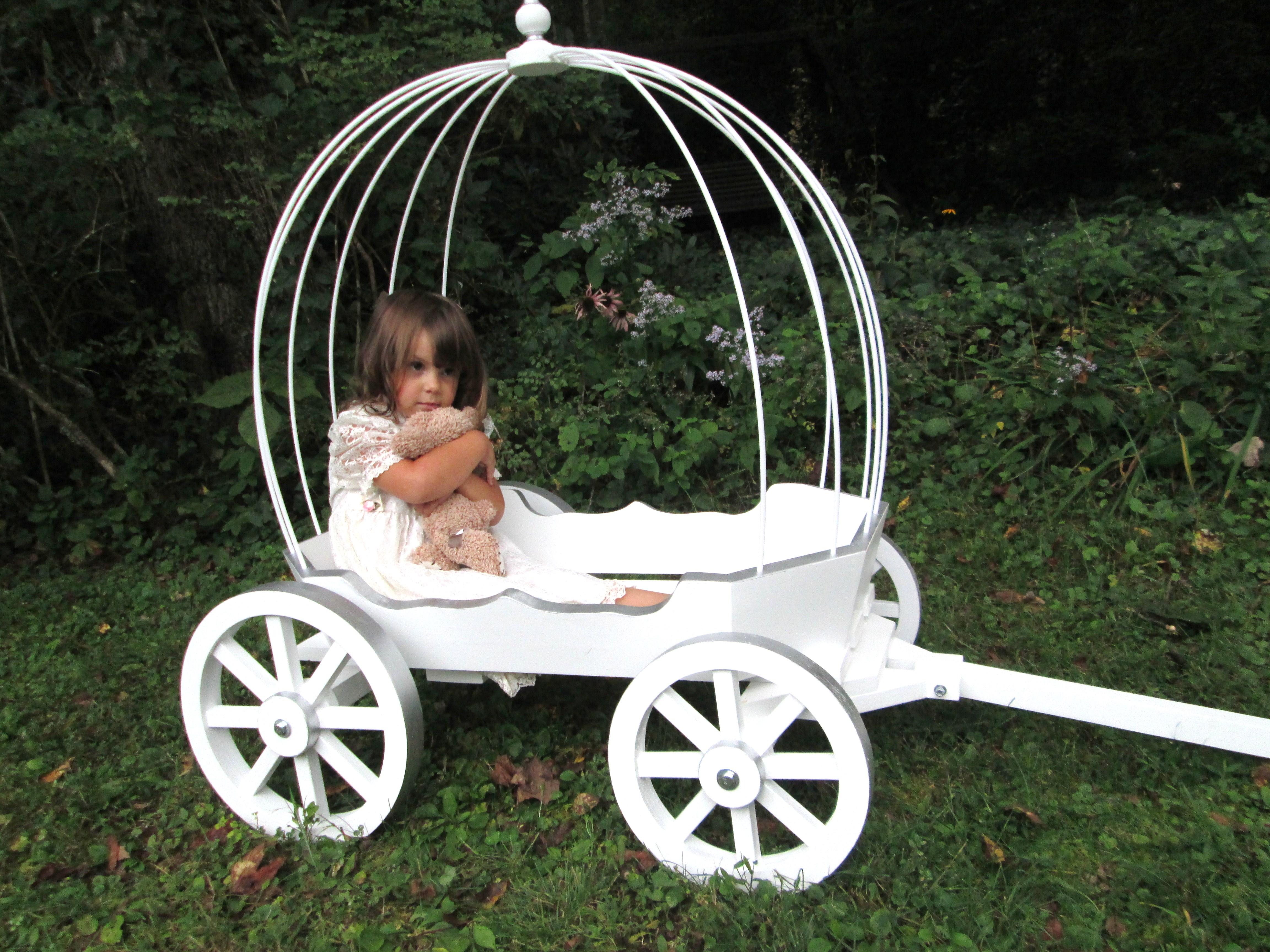Large Angel Carriage – Mini Wedding Wagons